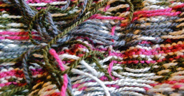 Rentrer les fils d'un tricot