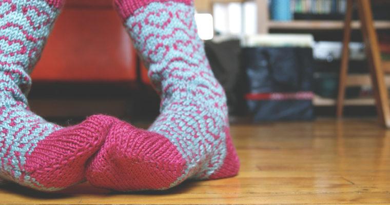 Bas tricotés avec des coeurs