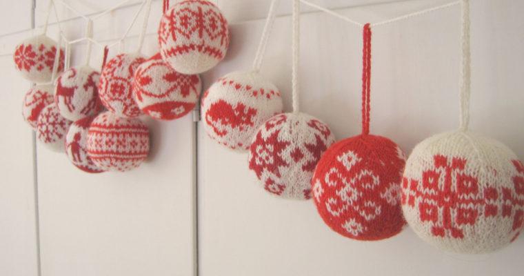 Les plus belles décorations tricotées pour le sapin de Noël